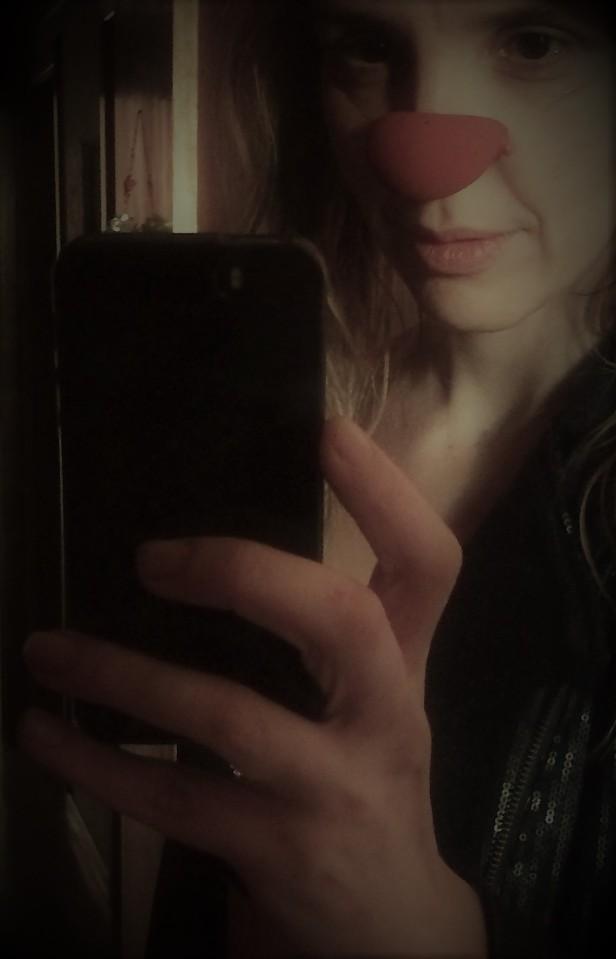 angelina selfie 1