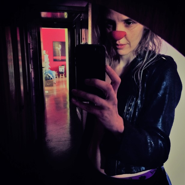angelina selfie 3